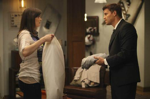 Bones 6×21 – The Hole in the Heart e 6×22 – The Change in the Game ... 193e396b857