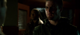 Arrow – 2×22 Streets of Fire