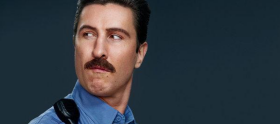 Pablo Schreiber deixa o elenco de Orange is the New Black