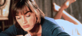 Amanda Pays reprisa papel em The Flash