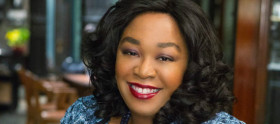 Veja foto de Shonda Rhimes em The Mindy Project
