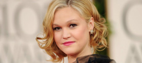 Julia Stiles participará de The Mindy Project