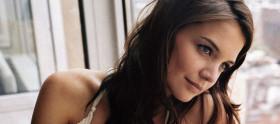 Katie Holmes voltará à TV