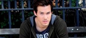 Chris Wood vai estrelar nova série da CW