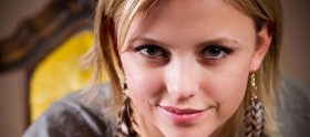 Riley Voelkel promovida ao elenco regular de The Originals
