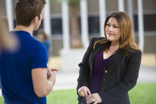 Jane conhece seu novo anjo da guarda, Paul