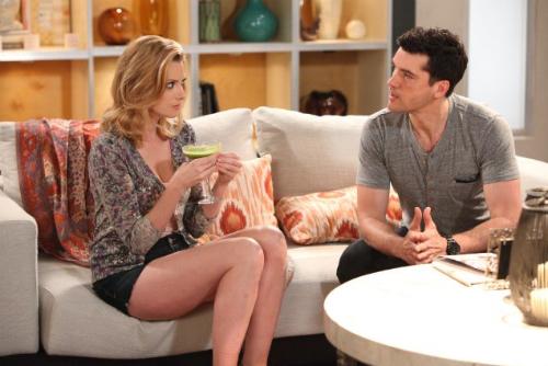 Stacy e Grayson conversam sobre Jane