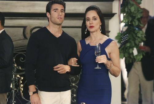 Victoria tenta mostrar a verdadeira Emily para o filho