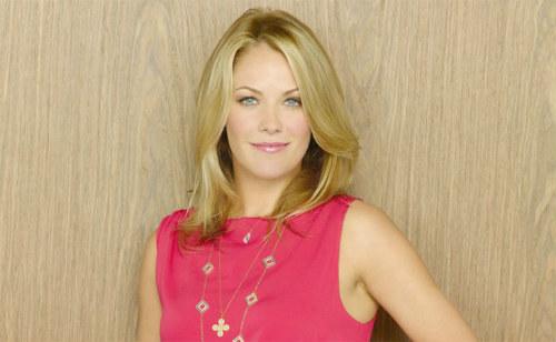 Andrea Anders participará de Modern Family
