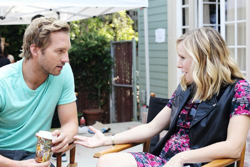 Ryan tenta convencer Kristen do spin-off