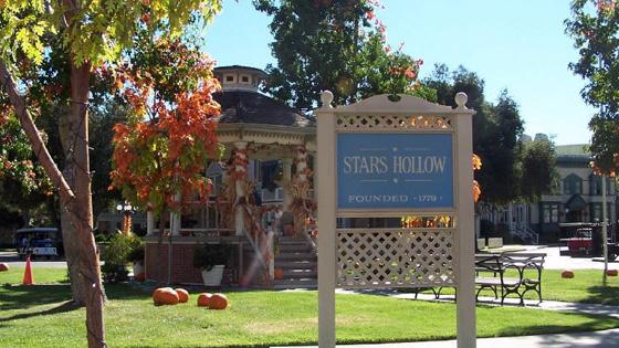 stars-hollow-1