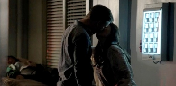 jo-and-ric-kiss-in-605