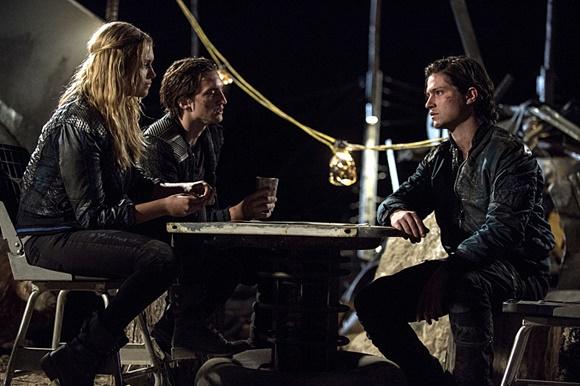 The 100 - Clarke, Murphy e Finn