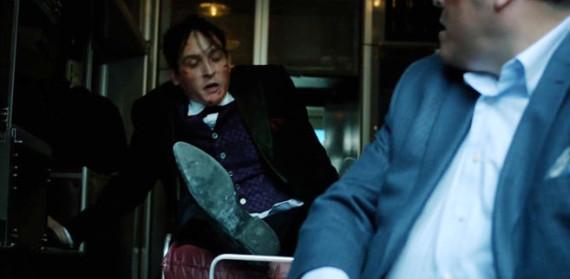 Gotham-112-Penguin-Under-Glass (1)