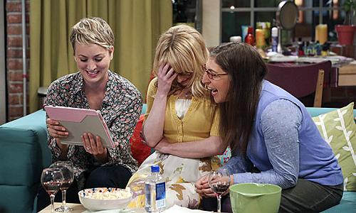 The-Big-Bang-Theory-8x14-Amy-Bernadette-Penny