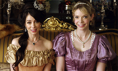 Another-Period-1x01-Sisters