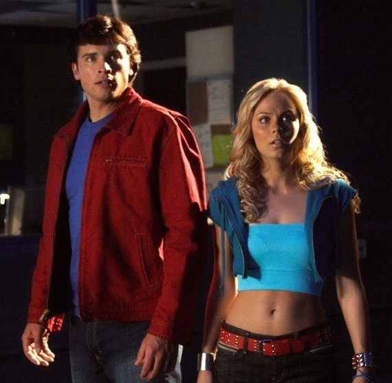 Smallville-Tom-Welling-and-Laura-Vandervoort-31-8-10-kc